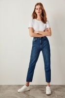 Trendyol Blue High Waist  Mom  80s Jeans Casual Straight-led Denim for Ladies TCLSS19LR0047