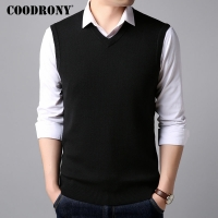 COODRONY Sweater Men Clothes 2018 Autumn Winter New Arrivals Preppy Style V-Neck Sleeveless Vest Men Cashmere Wool Sweaters 8266