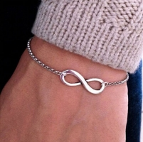 2019 New Arrivals Korean Hot Fashion Simple Metal 8 Infinity Charm Bracelets For Women & Men Jewelry Summer Style Beach