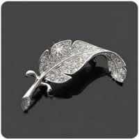 Korean Version Of Rhinestones Leaves Brooch Feather Pin Women's Men Can Wear Brooch Custom Jewelry Broches Para As Mulheres Pin