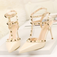 Rivet High Heels Luxury Designer Women Shoes Ladies Pumps Sexy Spring Summer 2020 Fashion Sandals Office Dress White Black Shoes