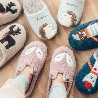 Winter Warm Home Women Fur Slippers Cute Fox Unicorn Bear Animals Indoor Cotton Slippers Memory Foam Flats Lovers Ladies Shoes